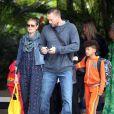 Heidi Klum, ses enfants et son compagnon Martin Kirsten sont en vacances à Honolulu, le 25 mars 2013.