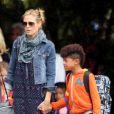 La belle Heidi Klum, ses enfants et son compagnon Martin Kirsten sont en vacances à Honolulu, le 25 mars 2013.