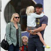 Naomi Watts : Cougar sulfureuse à l'écran, maman bricoleuse avec ses enfants