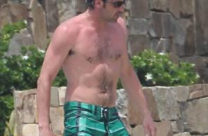 Patrick Dempsey: Sexy et musclé, l'acteur profite d'un bain de soleil en famille