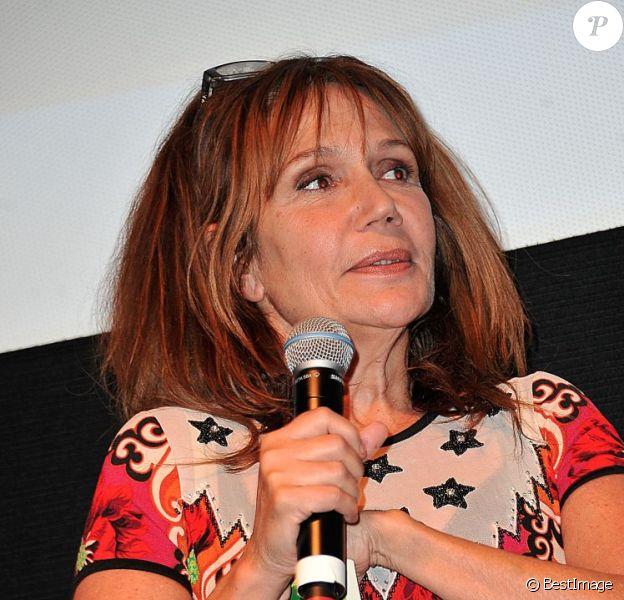 Clémentine Célarié lors de la cérémonie d'ouverture du Festival Atmosphères dont elle est marraine à Courbevoie le 2 Avril 2013.