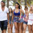 Thomas, Maude, Nabilla, Frédérique et Marie sur le tournage des Anges de la télé-réalité 5 à Miami, le 22 mars 2013