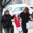 Ellen Pompeo, profite d'une journée en famille avec son mari Chris Ivery, et sa fille Stella, à New York, le 4 avril 2013.