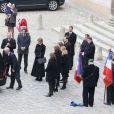 Anne de Laroullière, fille d'Élisabeth de Gaulle, entourée de ses proches - Obsèques d'Élisabeth de Gaulle, décédée à l'âge de 88 ans. La cérémonie a eu lieu en la cathédrale Saint-Louis des Invalides à Paris. Elle était la fille du Général Charles de Gaulle et a été la Présidente de la Fondation Anne de Gaulle de 1979 à 1988. Le 6 avril 2013.