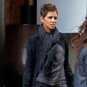 Halle Berry : Enceinte et stylée, la future maman se détend à New York