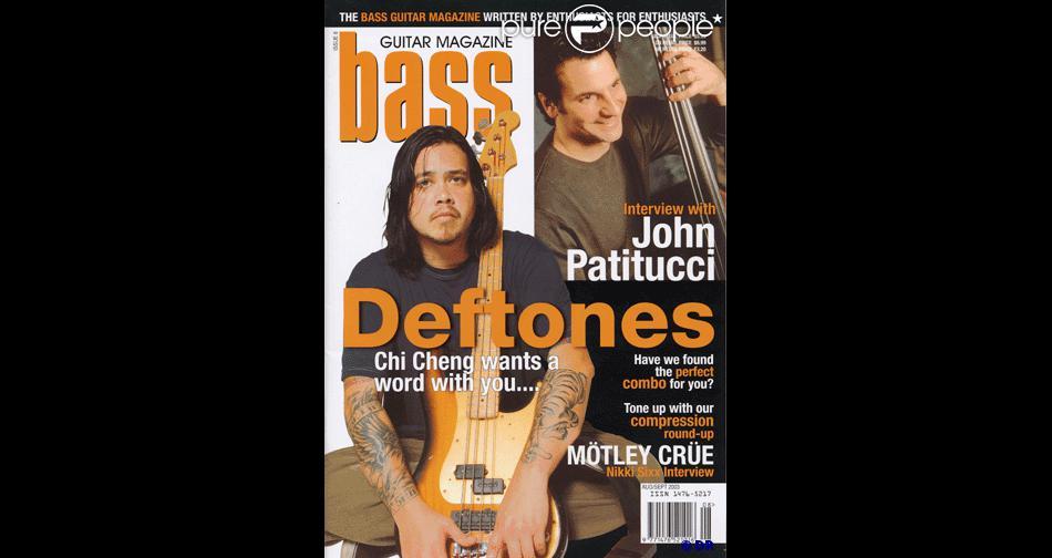 Chi Cheng, bassiste de Deftones, en couverture de  Bass Guitar Magazine . Chi est mort le 13 avril 2013, un peu moins de cinq ans après l'accident de la route qui l'avait plongé dans le coma.