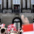 La reine Margrethe II de Danemark célébrait le 16 avril 2013 son 73e anniversaire au balcon du palais Christian IX à Amalienborg, Copenhague, entourée de sa famille.