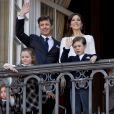 Mary et Frederik de Danemark prenaient part aux célébrations avec leurs quatre enfants : le prince Christian, 7 ans, la princesse Isabella, 6 ans, et les jumeaux Vincent et Josephine, 2 ans. La reine Margrethe II de Danemark célébrait le 16 avril 2013 son 73e anniversaire au balcon du palais Christian IX à Amalienborg, Copenhague, entourée de sa famille.