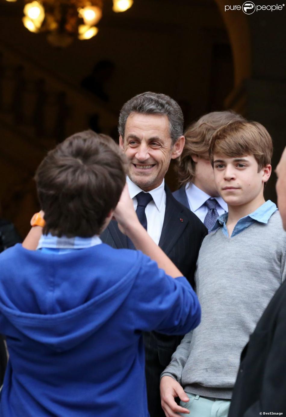 Nicolas Sarkozy à Neuilly-sur-Seine le 16 avril 2013 pour le 30e anniversaire de la disparition d'Achille Peretti maire de la ville de 1947 à 1983.