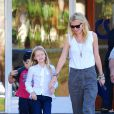 """Gwyneth Paltrow avec sa fille Apple le 26 octobre 2012 à Los Angeles"""