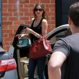 Une famille unie ! Orlando Bloom et Miranda Kerr emmènent leur fils Flynn dans un centre de jeux à West Hollywood, Los Angeles, le 25 avril 2013.