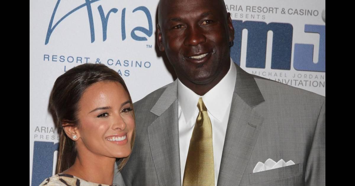 grande vente 35480 924bd Michael Jordan : Mariage grandiose avec Yvette Prieto pour ...