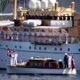La reine Margrethe II de Danemark et le prince consort Henrik ont embarqué à bord du yacht royal, le Dannebrog, le 3 mai 2013 à Copenhague, marquant le coup d'envoi de leur tournée estivale annuelle. Premier arrêt : Helsingor.