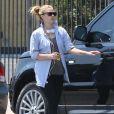 Drew Barrymore sort de son cours de yoga et va faire du shopping à Bristol Farms dans le quartier de West Hollywood, le 4 mai 2013.