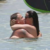 Alanis Morissette et son mari à Hawaï : C'est l'amour à la plage !