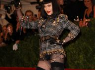 Madonna au MET Ball 2013 : Vulgaire et provoc' en brune, la Queen... of Punk !