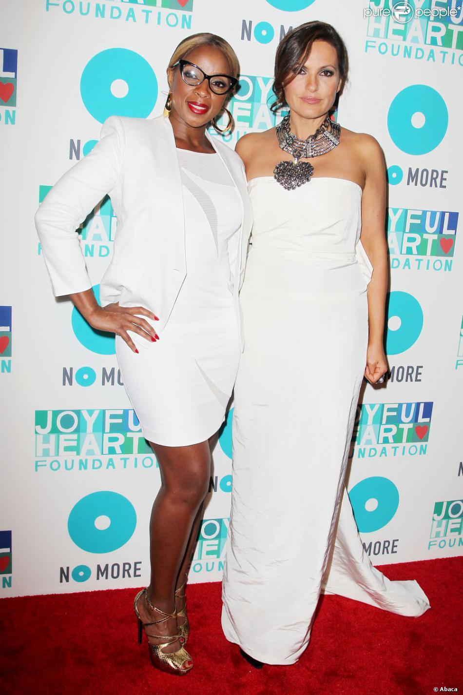 Mary J. Blige et Mariska Hargitay à la soirée de charité organisée par la  Joyful Heart Foundation  à New York, le 9 mai 2013.