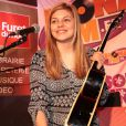 Louane en showcase The Voice 2 au Furet du Nord organisé par la radio Mona fm à Lille le 29 avril 2013.