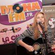 Louane - Showcase The Voice 2 au Furet du Nord organisé par la radio Mona fm à Lille le 29 avril 2013.