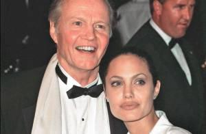 Angelina Jolie : Sa famille fière, son père Jon Voight pas au courant