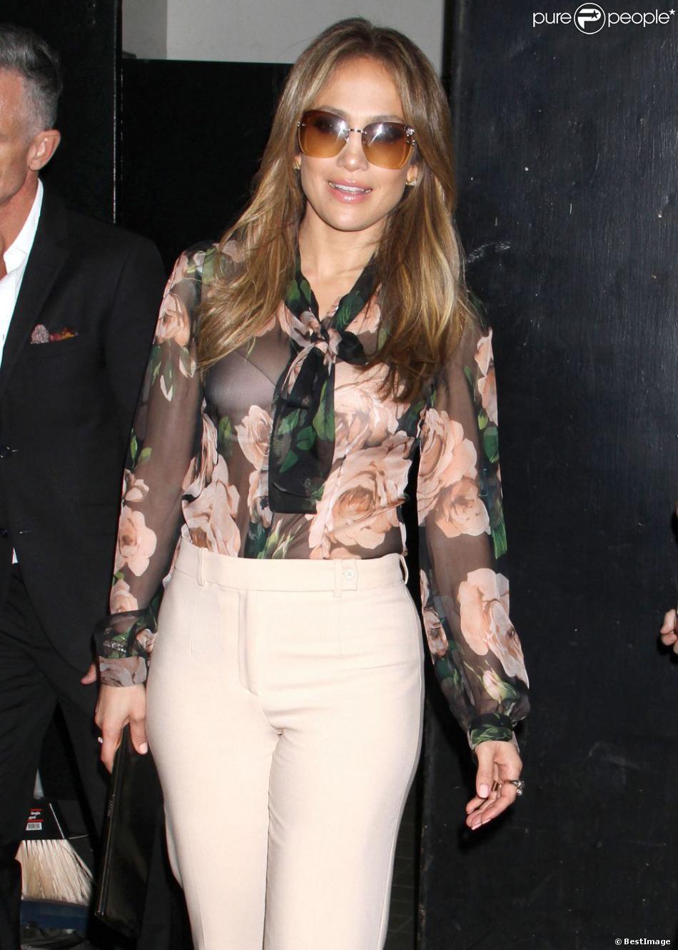 Jennifer Lopez, très jolie, à la soirée Nuvo Tv Upfront à New York, le 15 mai 2013.