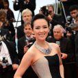 Zhang Ziyi en Carolina Herrara pour la montée des marches du film The Bling Ring pour l'ouverture d'Un Certain Regard au Festival du film de Cannes, le 16 mai 2013.