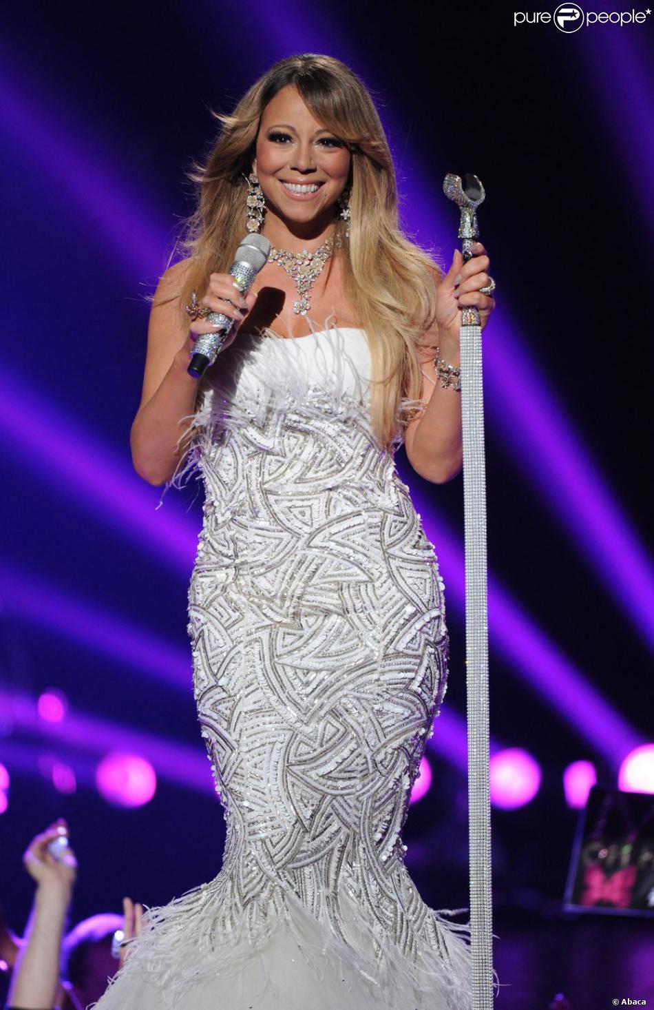 La diva Mariah Carey sur la scène de la finale de la 12e saison d'American Idol, à Los Angeles, le 16 mai 2013.