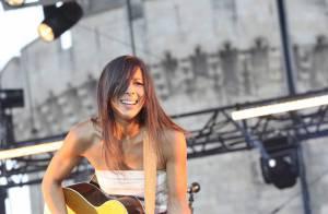 PHOTOS : La chanteuse Rose est folle : ce doit être le bonheur !