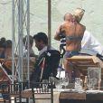 L'actrice Tori Spelling et Dean McDermott en vacances avec leurs enfants Liam, Stella, Hattie et Finn au Mexique, le 18 mai 2013.