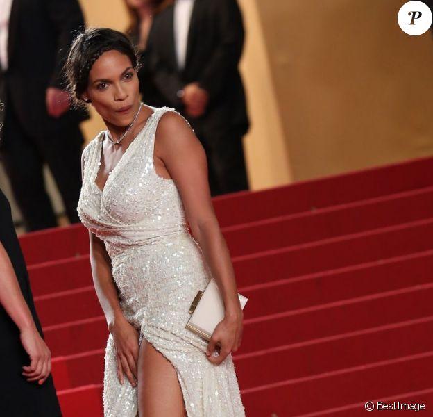 Rosario Dawson sexy et coquine lors de la montée des marches lors du 66e Festival de Cannes le 20 mai 2013.