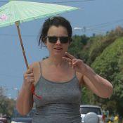 Fran Drescher sans soutien-gorge et négligée : La nounou d'enfer a bien changé