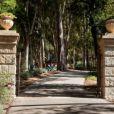 Ellen DeGeneres et sa femme Portia de Rossi viennent d'acheter cette sublime maison située à Montecito en Californie pour 26,5 millions de dollars.
