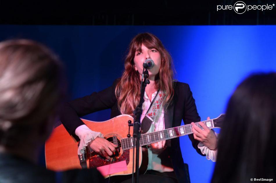 Exclusif - Lou Doillon en concert privé au Grey Goose, lors du Festival de Cannes le 16 mai 2013