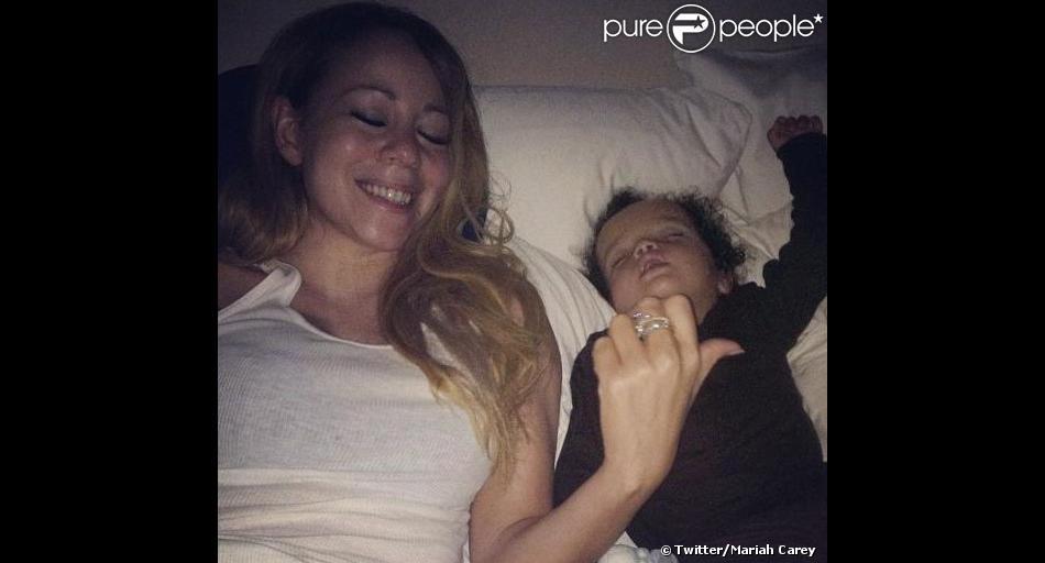 Mariah Carey a une nouvelle fois posté des photos intimes sur Twitter de ses enfants Moroccan et Monroe, nés de son union avec l'animateur Nick Cannon.