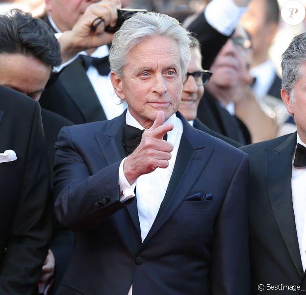 Michael Douglas lors de la montée des marches du film Ma Vie avec Liberace lors du Festival de Cannes le 21 mai 2013