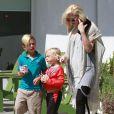 Gwen Stefani emmène ses fils Zuma et Kingston manger une glace à Los Angeles, le 30 mai 2013.