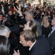"""Brad Pitt et Angelina Jolie lors de l'avant-première du film """"World War Z"""" à Paris sur les Champs-Elysées au sein de l'UGC Normandie, le 3 juin 2013"""