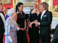 Rod Stewart et Penny Lancaster, amoureux superbes devant Elizabeth II