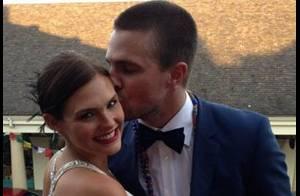 Stephen Amell (Arrow) et sa femme Cassandra Jean attendent leur 1er enfant