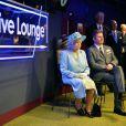 La reine Elizabeth II inaugurait le 7 juin 2013, jour de l'opération de son époux le duc d'Edimbourg, les nouveaux locaux de la BBC à Londres.