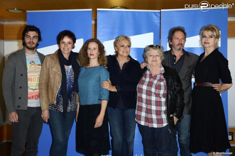Arthur Molinier, Claire Nebout, Florence Darel, Muriel Robin, Josée Dayan, Christopher Thompson et Fanny Ardant à Paris le 13 mai 2013.