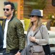 Jennifer Aniston et son fiancé Justin Theroux dans les rues de New York le 13 mai 2013