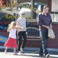 Michelle Williams avec sa fille et Jason Segel, le 27 août 2012 à Los Angeles