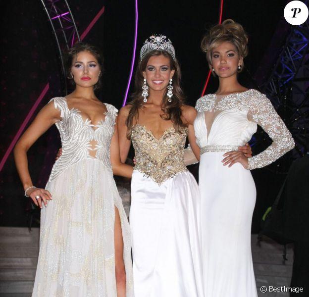 Miss USA 2013, Erin Brady, entourée de Miss Univers 2012, Olivia Culpo, et de Miss USA 2012, Logan West - Élection de Miss USA 2013 à Las Vegas, le 16 juin 2013.