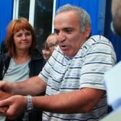 Garry Kasparov, de la gloire à l'exil : L'icône de l'opposition risque la prison