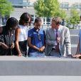 Michelle Obama et ses filles Sasha et Malia lors de leur visite du Mémorial de l'Holocauste à Berlin, le 19 juin 2013.