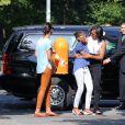 Michelle Obama et ses filles Sasha et Malia arrivent pour leur visite du Mémorial de l'Holocauste à Berlin, le 19 juin 2013.