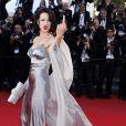 Asia Argento rebelle sur le tapis rouge du Festival de Cannes pour la clôture le 26 mai 2013