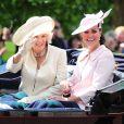 Kate Middleton, enceinte, et Camilla Parker Bowles. A Londres. Le 15 juin 2013.