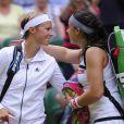 Marion Bartoli et Kirsten Flipkens après leur demi-finale de Wimbledon au All England Lawn Tennis and Croquet Club de Londres le 4 juillet 2013